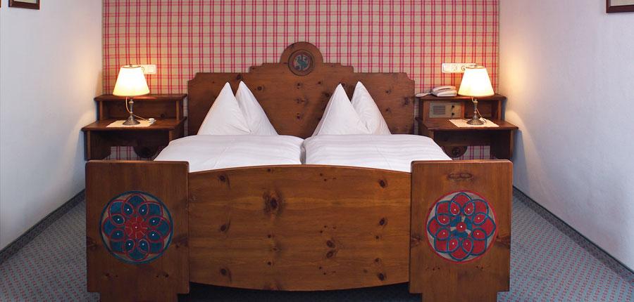 Austria_Westendorf_Hotel-Jakobwirt_bedroom.jpg